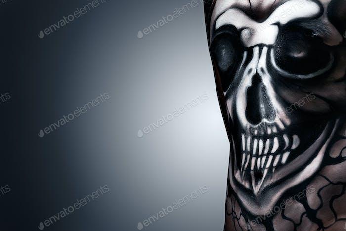 Hamlet skull.