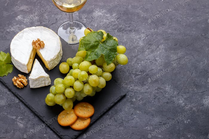 Cheese brie and wine