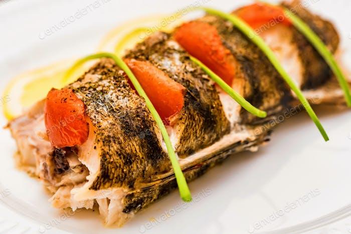 Roasted zander fillet with asparagus and lemon