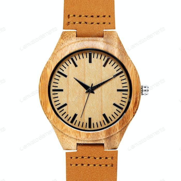 Bambus Uhr mit Band isoliert auf weißem Hintergrund