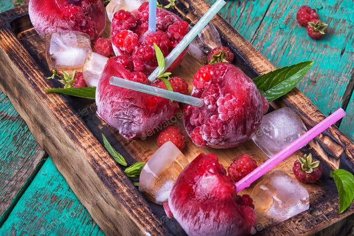 Frozen raspberry juice