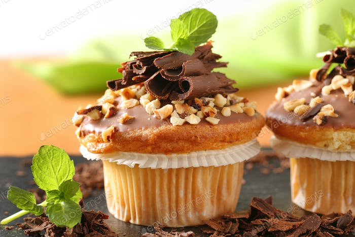 Hazelnut muffins with chocolate topping