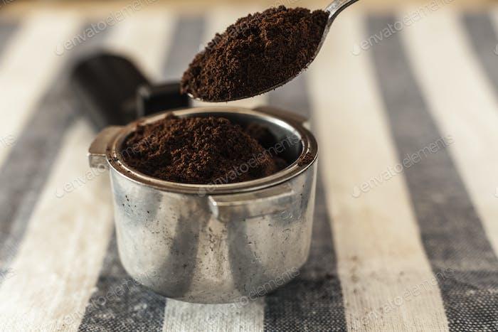 Löffel und Kaffee