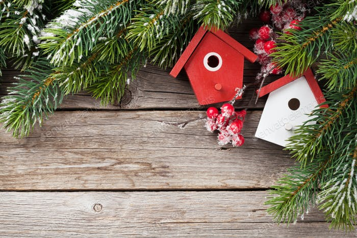 Christmas birdhouse decor and fir tree
