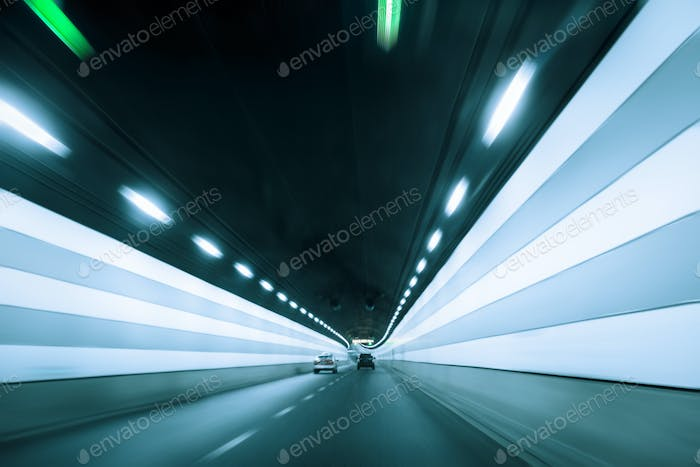tunnel with dynamic background