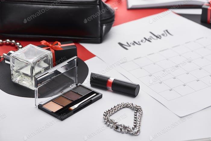 Calendar With Lettering November, Bag, Gift, Bracelets, Eye Shadow, Perfume, Lipstick