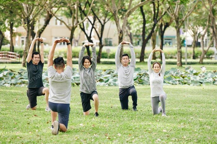Упражнения молодых людей