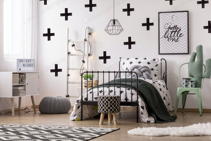 Patterned wallpaper in kid's bedroom