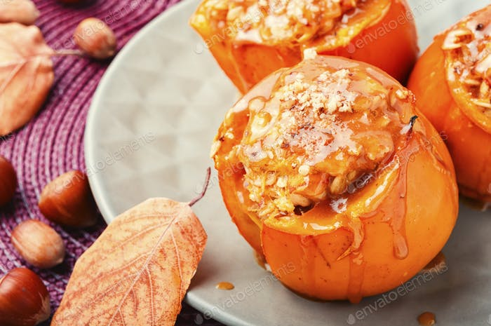 Baked persimmon with caramel