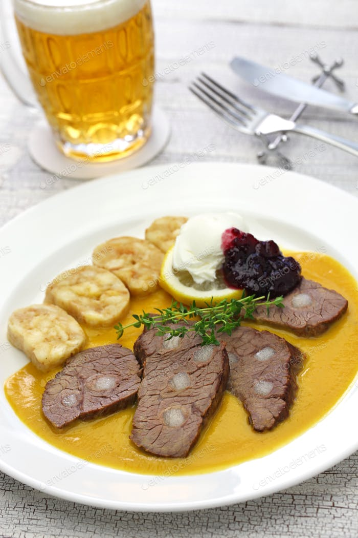svickova na smetane, traditionelle tschechische Küche