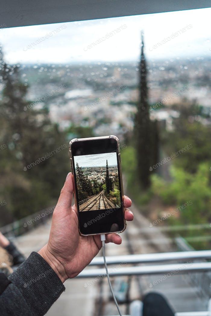 Blick von der Standseilbahn auf einer direkten Bahn, Tiflis