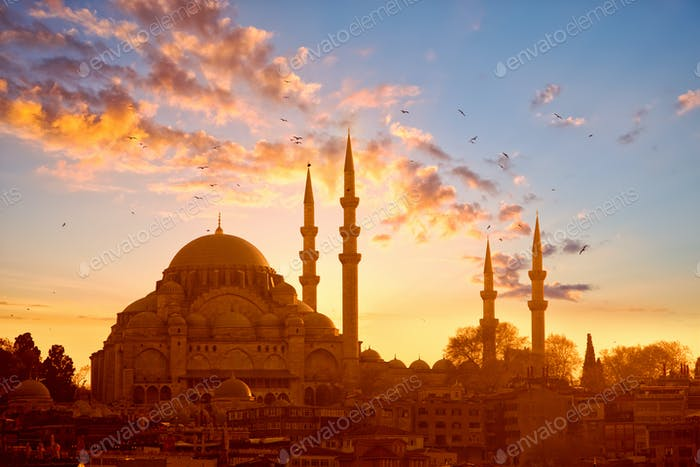 Suleymaniye mosque at sunset