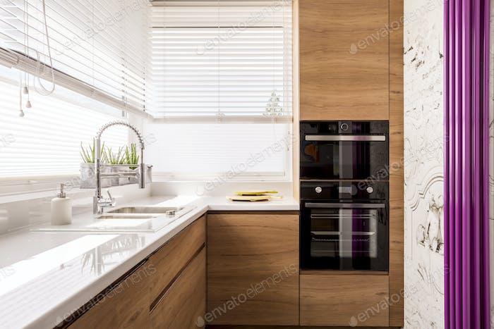 Cocina Moderno con detalles de madera