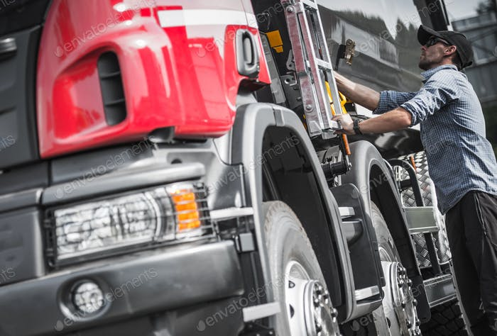 Truck Driver Final Load Check