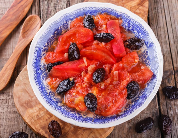 Salad Puree tomatoes with olives
