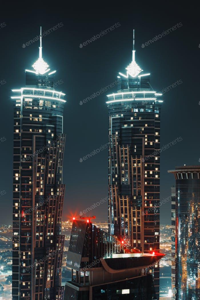 Wolkenkratzer bei Nignt
