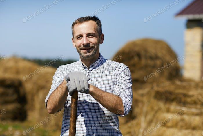 Bauer bei der Arbeit