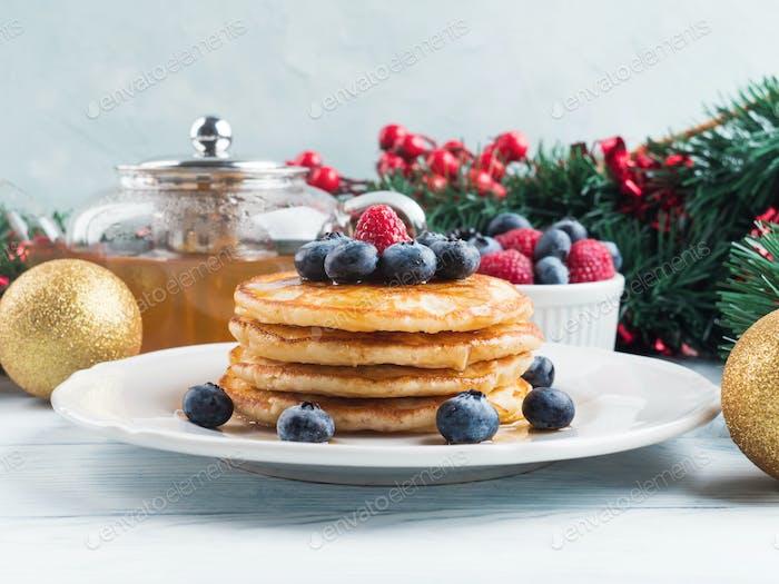 Stapel von Pfannkuchen als Winterurlaub Leckerbissen