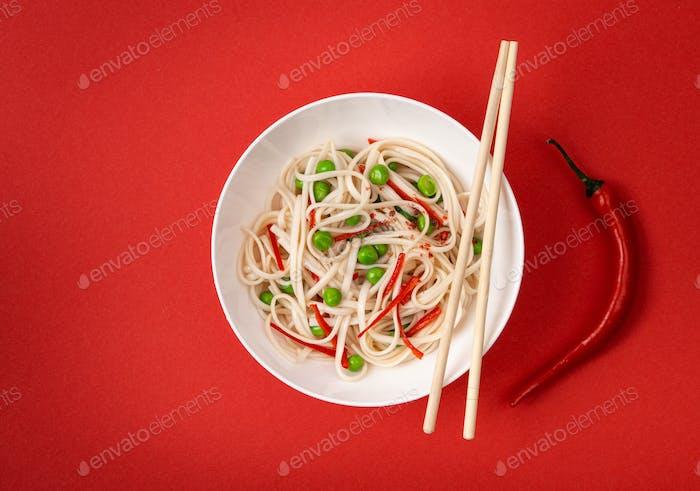 Asiatische vegetarische Nudeln