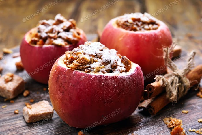 Stuffed apples with granola and honey