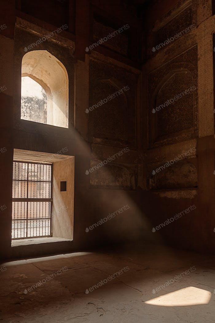 Ray of sun coming through window in Agra fort