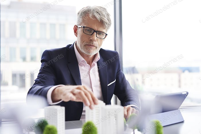 Focused businessman looking for new solutions