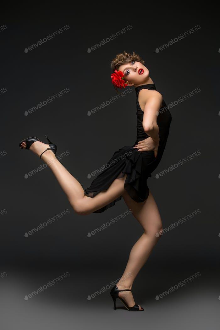 Mädchen Tänzerin in tango-Kleid