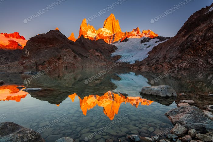 Beautiful autumn view Fitz Roy mountain. Patagonia, Argentina