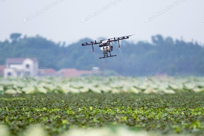 Landwirtschaft Drohne gesprühten Dünger