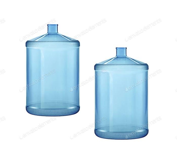 Große Wasserflaschen isoliert auf weißem Hintergrund
