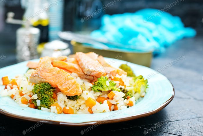 salmon and rice with broccoli