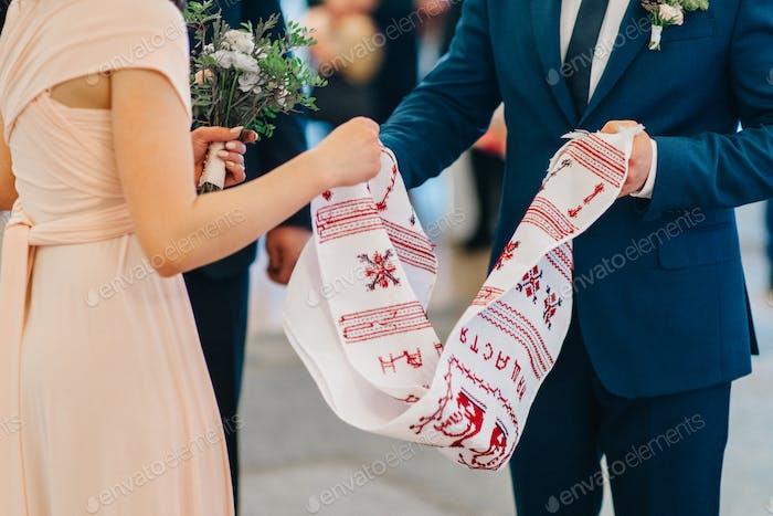 Hochzeit bestickt Handtuch als Familienerbstück für die Braut und Bräutigam
