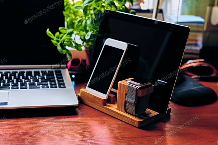 Communication set with wooden stand, smart watch, tablet PC