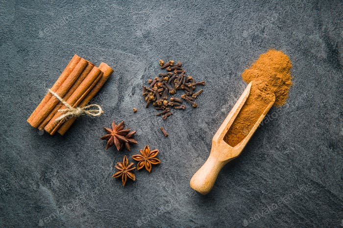 Cinnamon, clove and anise star.
