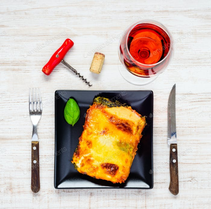 Baked Lasagna Pasta with Rose Wine