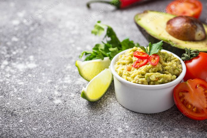 Traditional Mexican avocado sauce guacamole