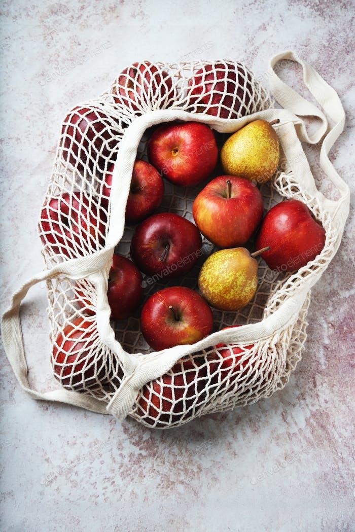 Äpfel starken im Netzbeutel
