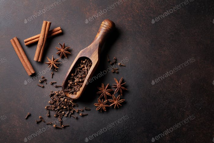 Mulled wine ingredients spices. Anise, cinnamon, cardamom
