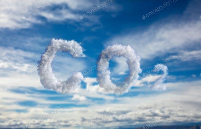 Símbolo de CO2 de nube sobre fondo azul cielo. Contaminación del planeta, concepto de smog. Ilustración 3d