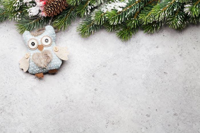 Weihnachts-Grußkarte mit Tannenbaum und Dekor