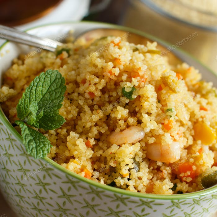 Couscous mit Garnelen und Gemüse