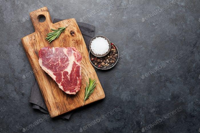 Ribeye frisches rohes Rindfleisch Steak