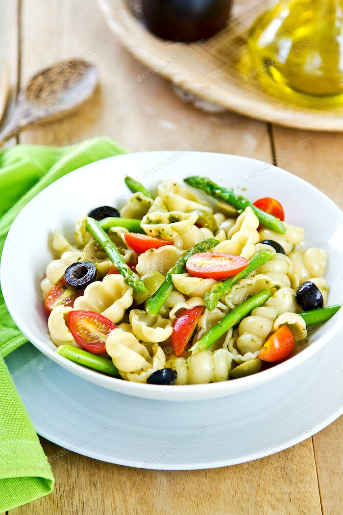 Gnocchi with Asparagus salad in Pesto dressing