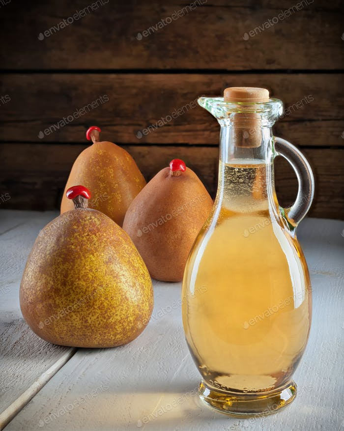 Vinegar of pears