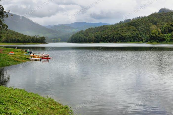 Blick auf Mattupetty Dam, Munnar, Kerala, Indien