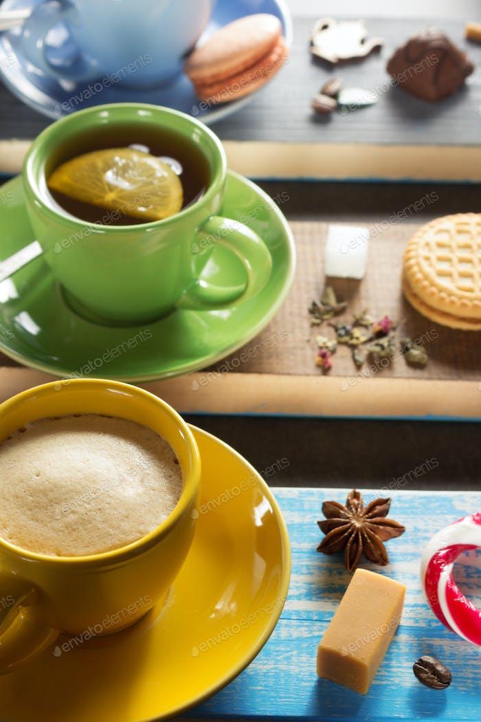 Tasse Kaffee, Kakao und Tee