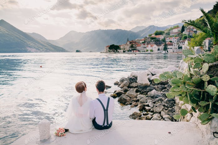honeymoon couple on vacation in Europe with sea view