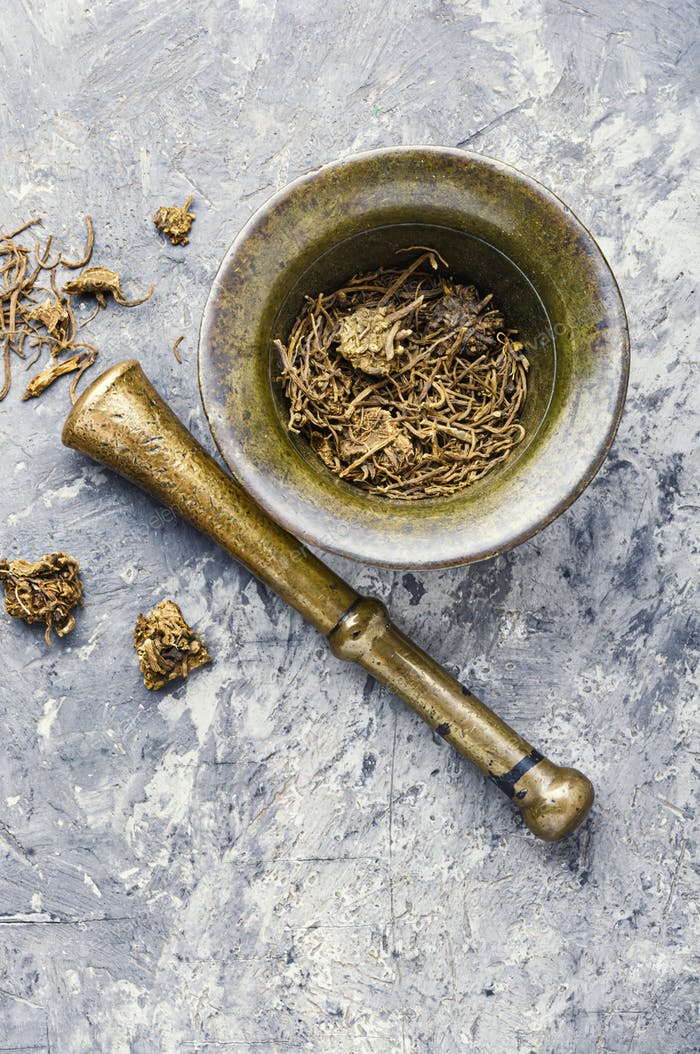 Dry valerian root
