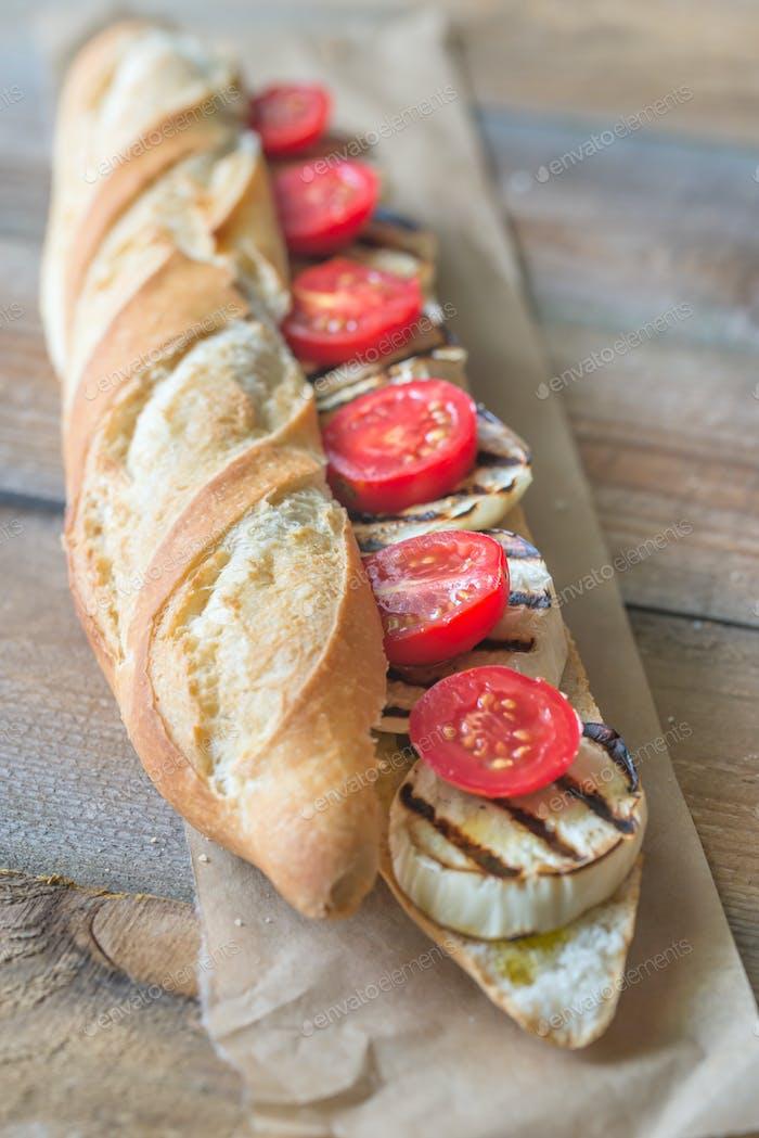 Sandwich mit gegrillten Auberginen