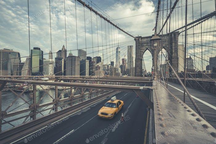 Famoso Puente de Brooklyn con cabina